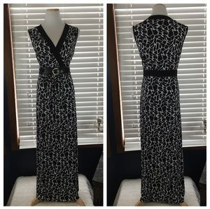 Suzie In The City Black & White Belted Maxi Large